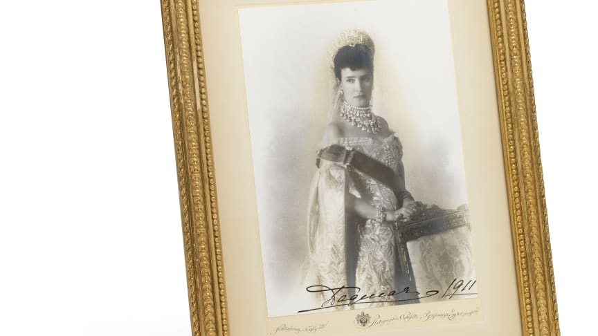 "Alfred Pasetti: Portrait of Tsartisa Maria Feodorovna in Russian Court dress, with her Danish autograph ""Dagmar 1911"". Sheet size c. 18.5 x 13.5 cm."