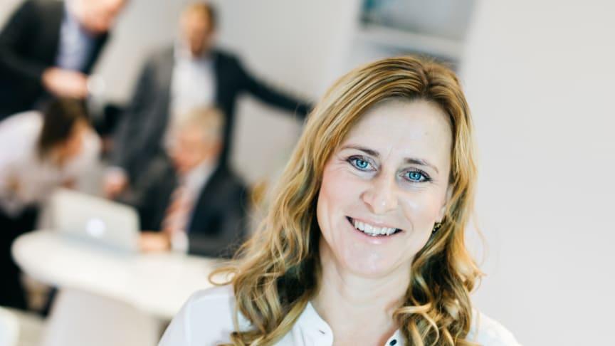 - Vi vet att Sverige behöver locka fler till lärarutbildningar. Kanske kan lärarassistenttjänster skapa intresse för skolans värld och att fler därmed få upp ögonen för hur givande läraryrket kan vara, säger Madleen Thyrén.