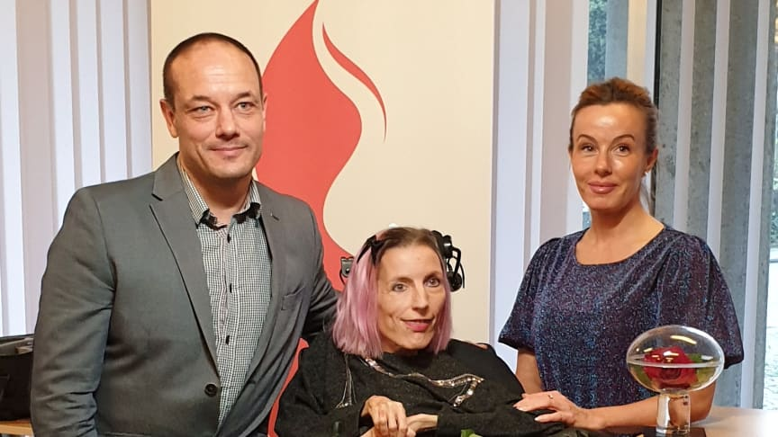 Från vänster: Rickard Lundqvist, prisvinnaren Martina Zandelin och Emma Aldin. Foto: Alexis Agelis.