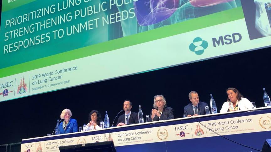 """Studien, """"BREATHING IN A NEW ERA"""", är en jämförande analys av lungcancervården i Europa, samt analys av politiska program i 11 europeiska länder som presenterades vid världskonferensen för lungcancer i Barcelona."""