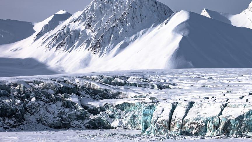 Telenor åpner en 5G-pilot på Svalbard, hvor det nye mobilnettet skal testes i arktisk klima (Foto: Einar Jenssen).