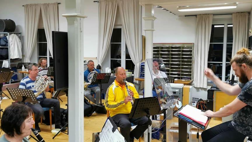 Guldsmedshyttans Musikkår och Hemvärnets Musikkår Guldsmedshyttan söker fler musiker.