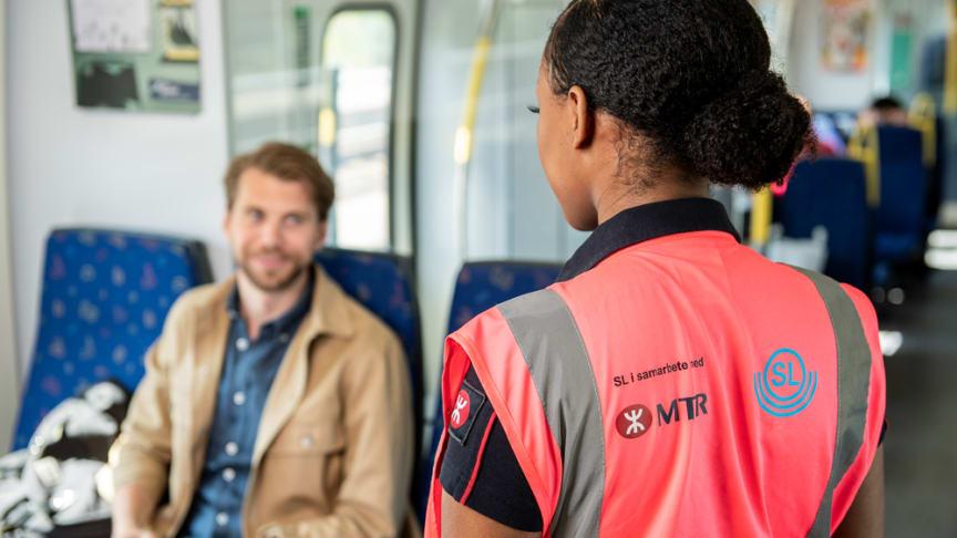 Sedan 1 april 2020 har MTR och SL infört trygghetsteam på pendeltågen. Foto: Viktor Fremling