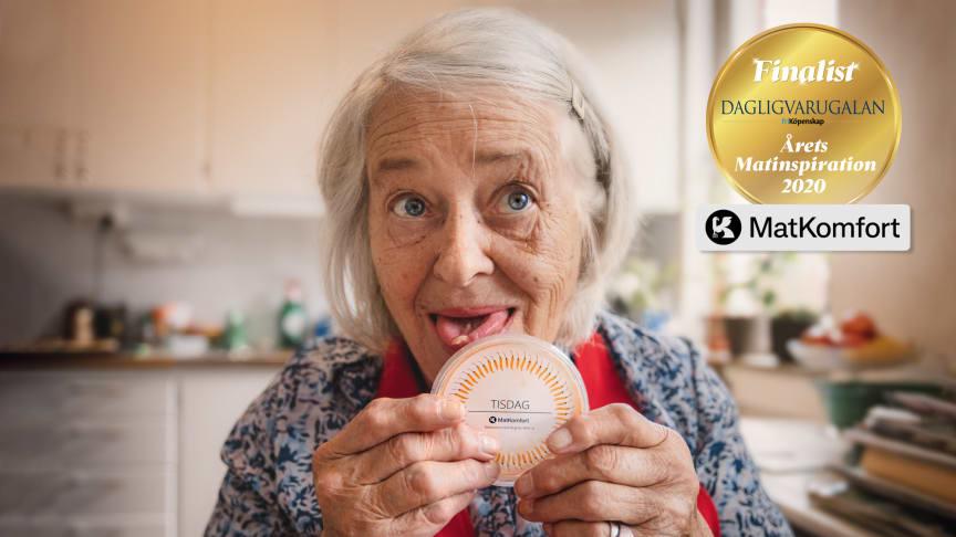 Bild från vårt samarbete med Seniorglädje där vi tillsammans hjälper äldre att känna matglädje och där de får hjälp att laga i vardagen.