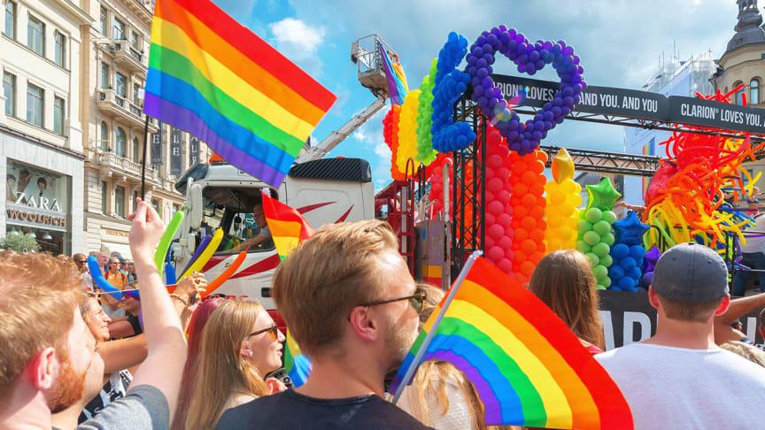 Varför har opinionen svängt så enormt snabbt till förmån för homosexuellas rättigheter men stått stilla på andra områden? Ett svenskt forskarteam publicerar nu en vetenskaplig modell som kan förklara och förutse opinionsförändringar i moralfrågor.