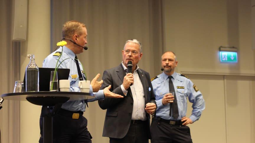 Polischeferna Andy Roberts och Erik Jansåker, samt HSB Malmös vd Michael Carlsson, pratade om vikten av samverkan för trygga samhällen och lyfte initiativet BID Sofielund, där HSB Malmö är delaktig i.