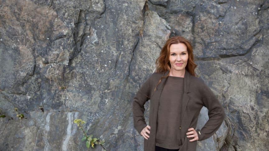Att aldrig kunna känna mig trygg hemma gjorde mig utmattad, säger Pia Johansson