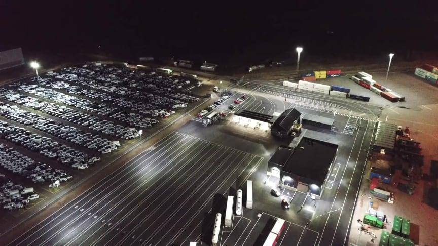 Modus, Titan och LED-limpan lyser upp terminalyta hos HallandsHamnar Halmstad AB