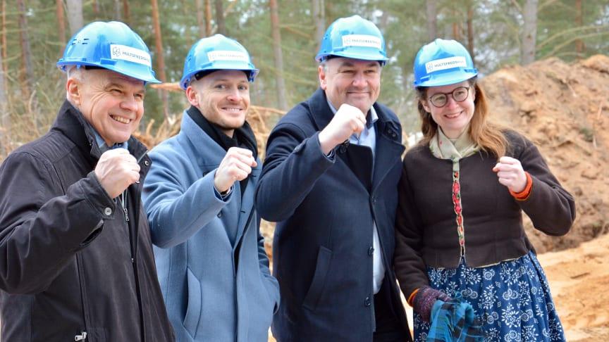 Staffan Larsson (c), Jonathan Warsén, Hjältevadshus, Ilko Corkovic (s), Sara Kånåhols (v)
