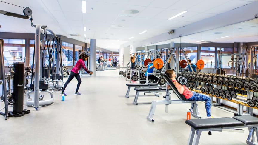 SiO stenger fra i dag alle sine treningssentre og serveringssteder for å bidra til å hindre smitterisiko blant studenter og ansatte.