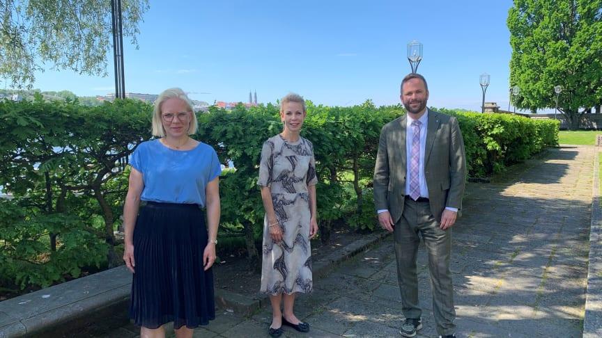 Stockholms stads idrottsborgarråd Karin Ernlund (C), finansborgarråd Anna König Jerlmyr (M) och kulturborgarråd Jonas Naddebo (C) presenterar en sommar full av aktiviteter.
