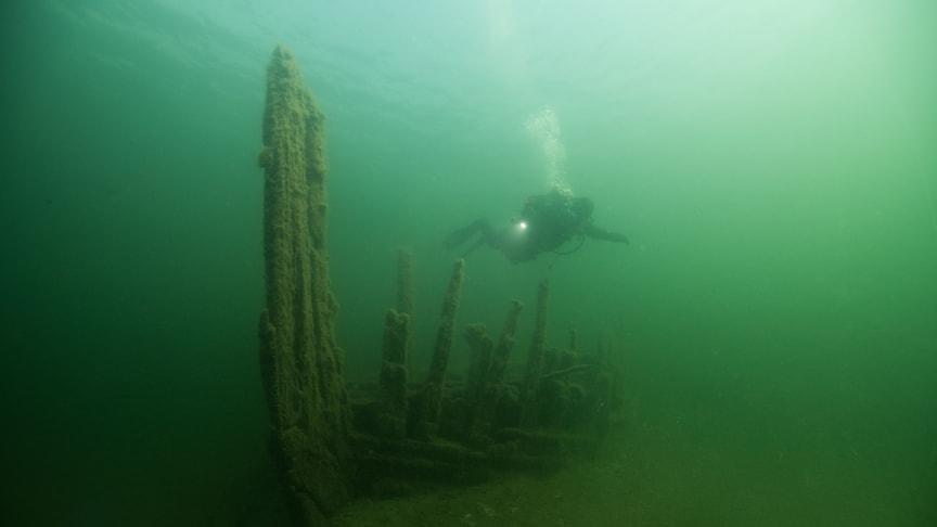 Björns vrak i Stockholms skärgård. Fartyget sjönk i slutet av 1700-talet med en last av kalk som var ämnad in till Stockholm. Foto: Mikael Fredholm, CC-BY.