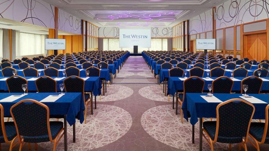 Der Ballsaal des Konferenbereiches erstrahlt in neuem Design
