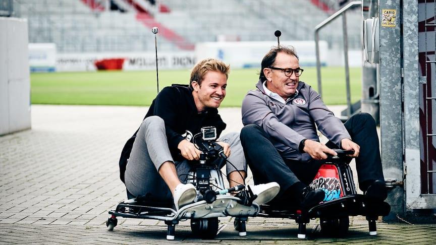 Die berühmte Eau de Toilet Kurve: Rosberg & Lienen kriegen sie!