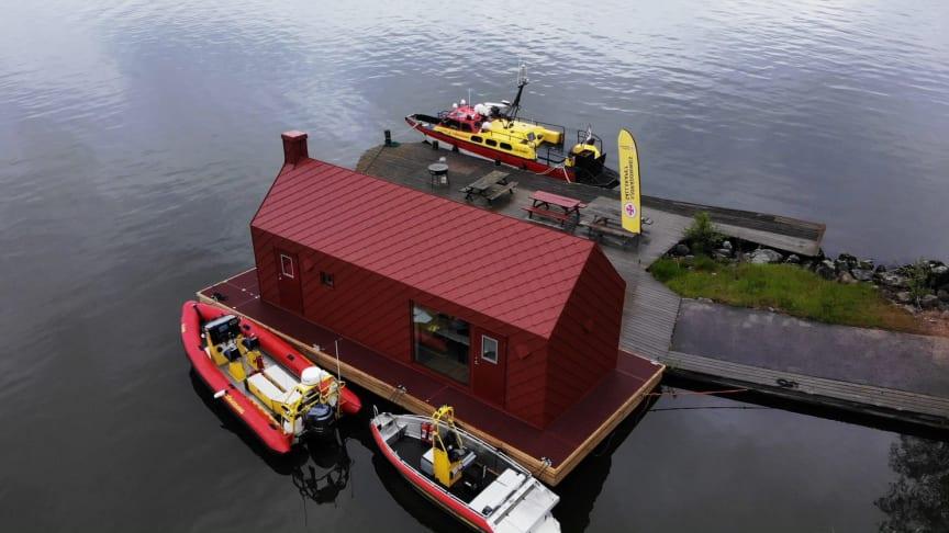 En av förra årets vinnare, Sjöräddningssällskapet Hjälmaren, fick hjälp med att rusta upp en husbåt till en mobil station.