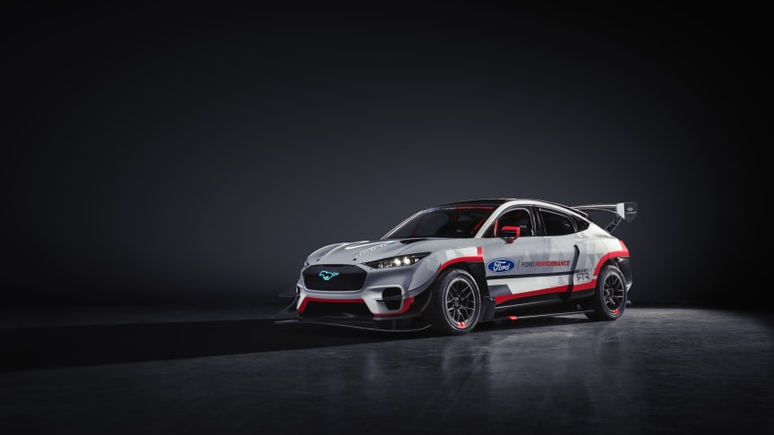 Ford med ekstrem helelektrisk Mustang Mach-E prototype med 1400 HK