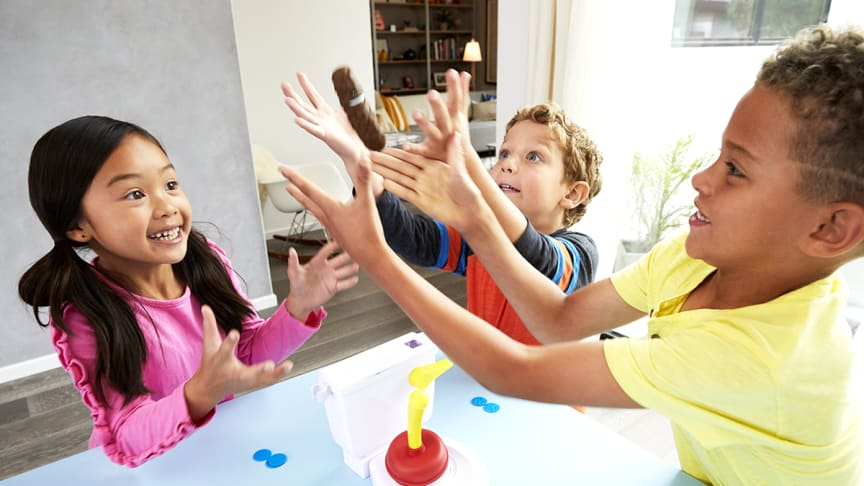 Kacka-Alarm - Kids Playing_1