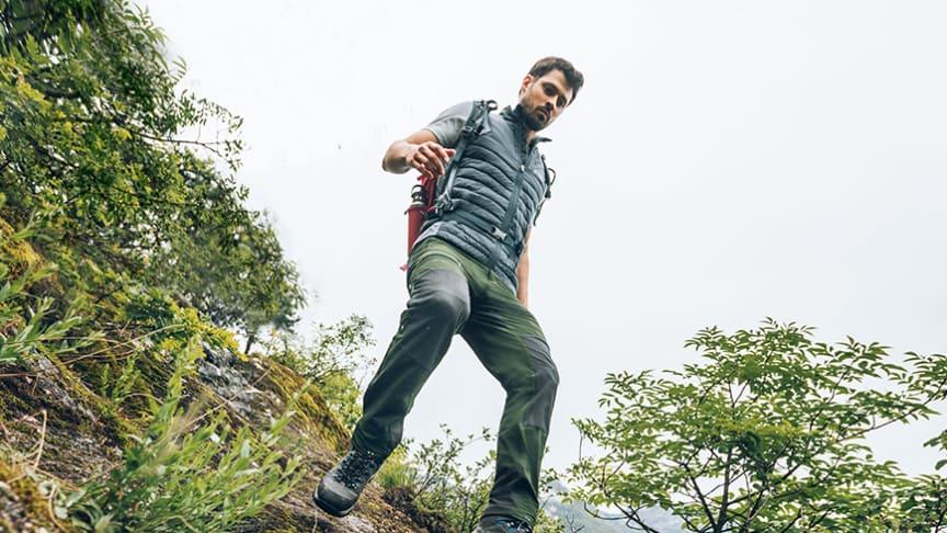 Unsere Trekking- und Hochtouren-Hose, die sich auch in unwegsamem Gelände und in schwierigem Terrain bewährt.