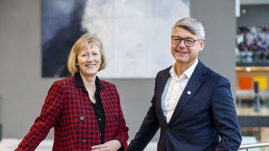 Heidi Skaaret, direktør for personmarked i Storebrand og Morten Andreas Meyer, generalsekretær i Huseierne (Foto: Storebrand).