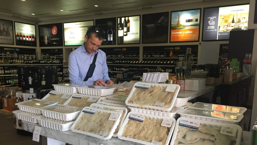 Sjømatrådets Trond Rismo i mexicansk forretning som selger norsk klippfisk