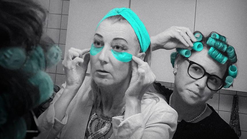 """Elina Du Reitz och Jenny Grewdahl, som tillsammans gör podden """"Forever Young""""."""