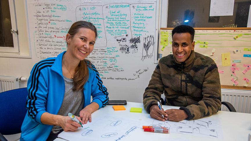 Malin Widehammar och Qadar Gedi är två Bergsjöbor som engagerat sig för att ta fram en lokalekonomisk analys för Bergsjön. Nu välkomnar de fler i arbetet.
