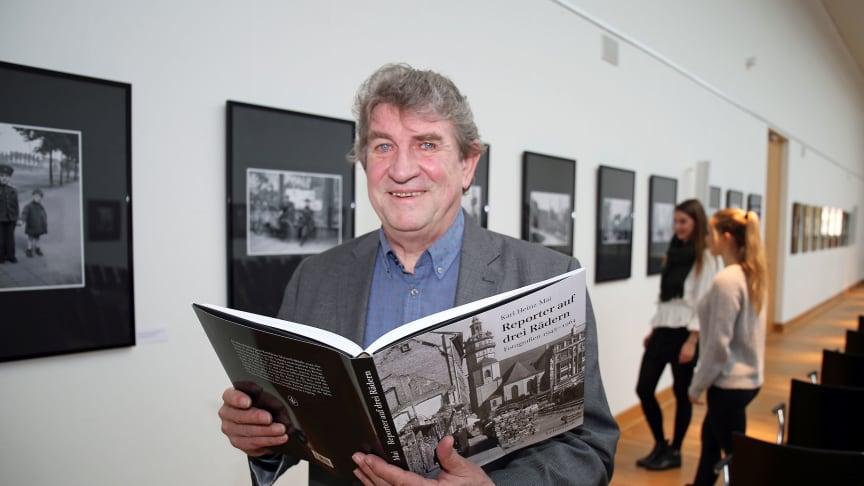 """Karl Detlef Mai präsentiert den Bildband """"Reporter auf drei Rädern"""" - Foto: Andreas Schmidt"""