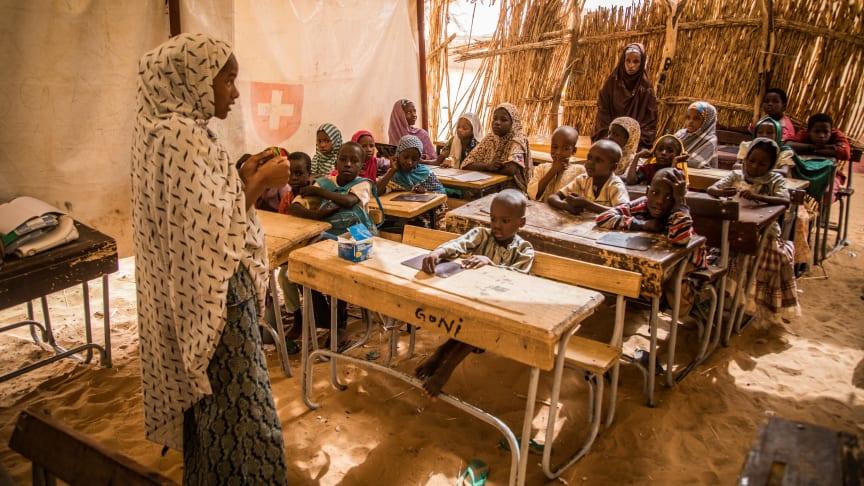 Die Krise in der Sahelzone hat auch Burkina Faso erfasst. Die SOS-Kinderdörfer weiten ihre Hilfe in dem westafrikanischen Land aus, z.B. durch Notunterricht für Flüchtlingskinder, so wie bereits im benachbarten Niger. Foto: V. Tremeau