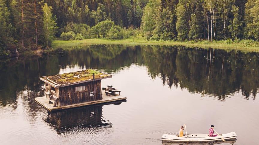 Den flytende hytta på Naturbyn i Värmland. Foto: Ingeborg Lindseth