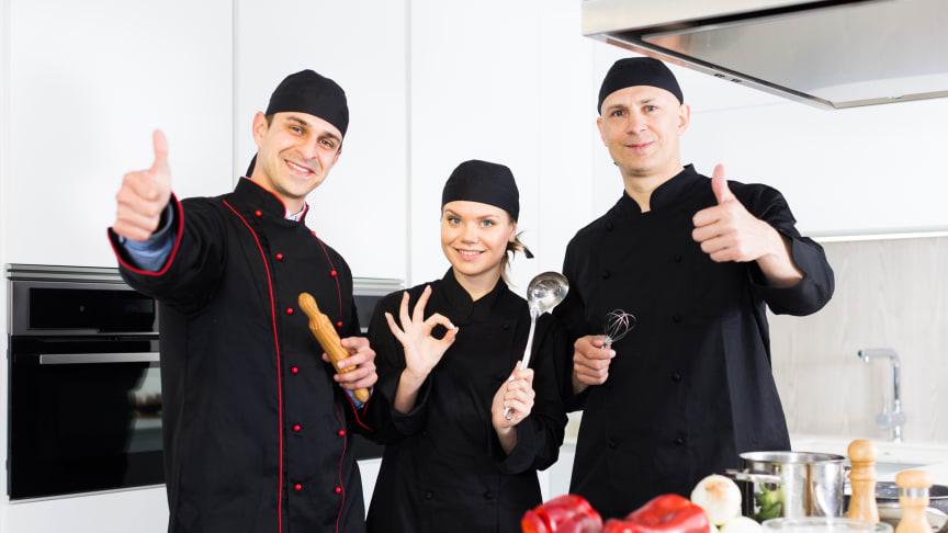 Restaurangchefer vill gärna se mer närproducerade råvaror för att minska klimat- och miljöpåverkan enligt undersökningen från SLU Holding. Bild: Shutterstock