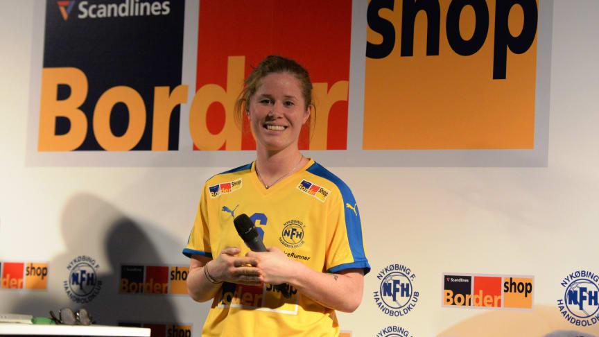 Mette Gravholt spiller i den gule NFH trøje for kommende sæson