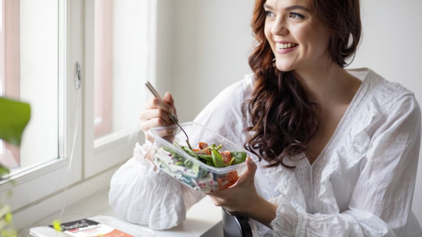 Hetki Sushi-salaatti tarjoaa makuelämyksiä sushin ystäville