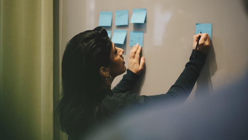 AW Academy stöttar företag som satsar på att ställa om sin personal genom utbildning