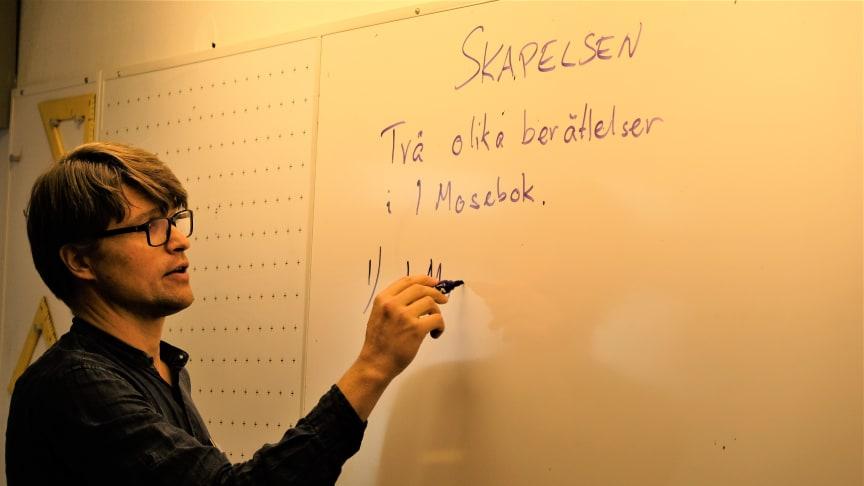 Religionslektion på den kristna friskolan LM Engström i Göteborg. Foto: Mikael Stjernberg.