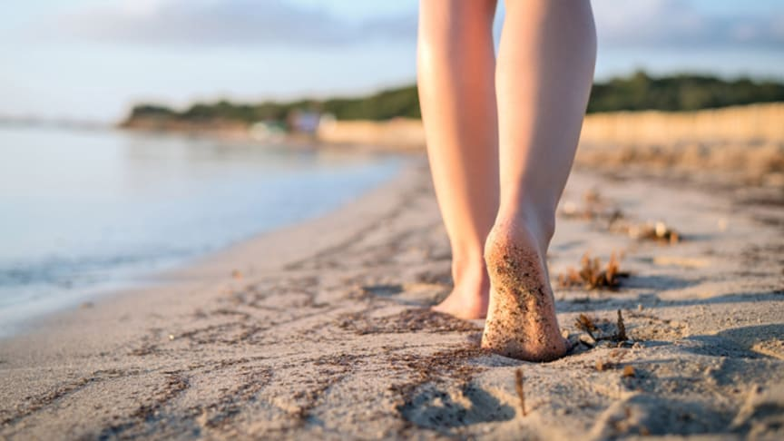 Zum richtigen Zeitpunkt die richtige Pflege: die Haut hat ihren eigenen Rhythmus. Wer diesem folgt, kann seine Haut bestmöglich unterstützen. Bild: Matteo Gabrieli | fotolia