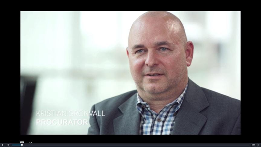 Bild från inRivers filmade intervju med Kristian Grönvall, marknadschef, Procurator AB