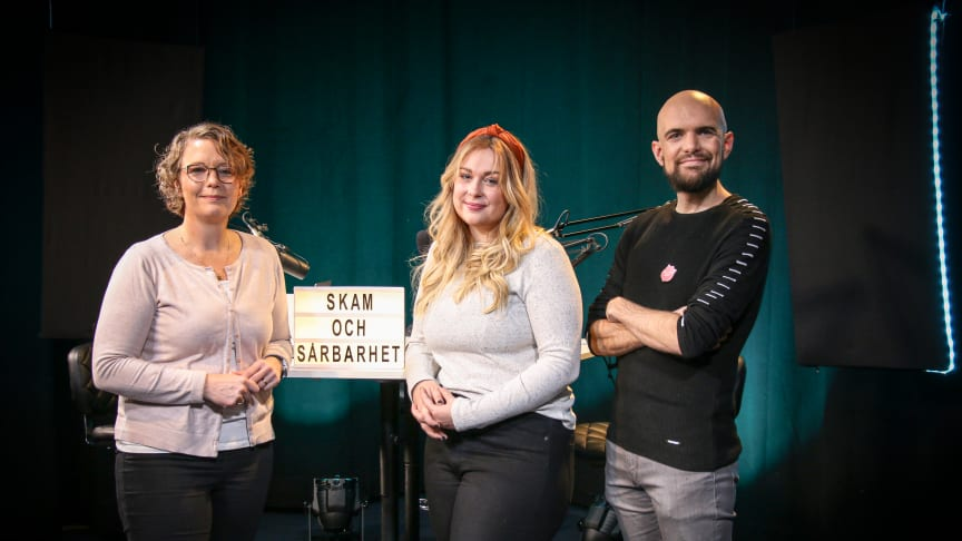 Podd-teamet består av Pernilla Eklund, terapeut, lärare och författare, Johanna Lindhult, pastor, sexologstudent och projektledare på Starta Om och Christian Edlund. pastor, lärare och samtalssamorndare på Starta Om, Frälsningsarmén.