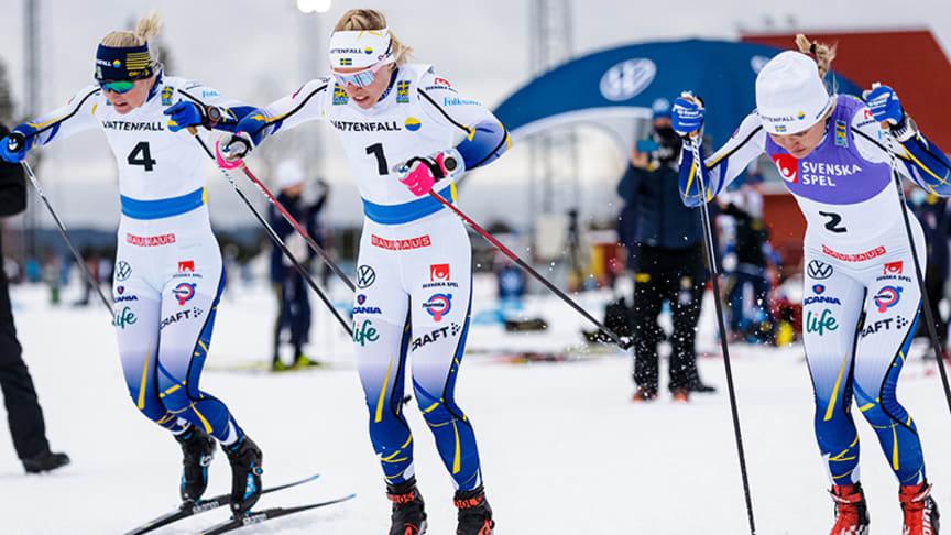 Maja Dahlqvist, Jonna Sundling och Linn Svahn under en träningstävling den 5 december 2020 i Östersund. Foto: Bildbyån.