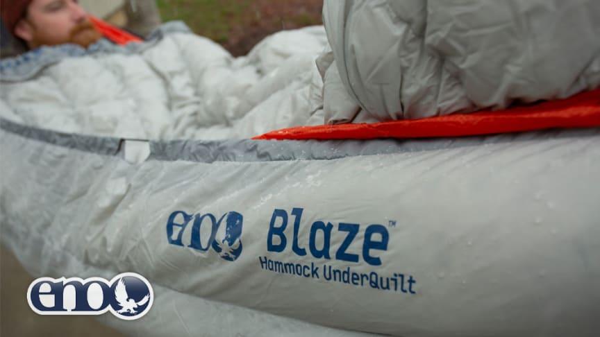 Bildet over: Underdynen Blaze fra ENO holder deg varm og trygg hele natten