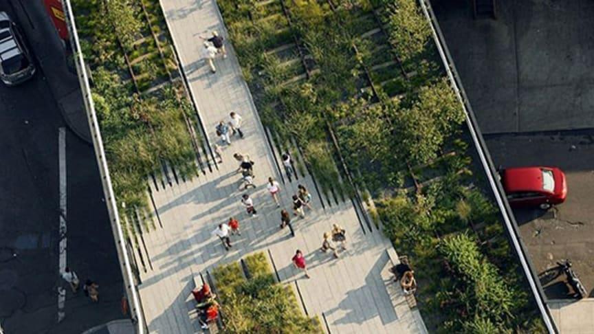 Parken The High Line är skapad på en järnväg som fraktade varor på nedre Manhattan.  Foto Iwan Baan.