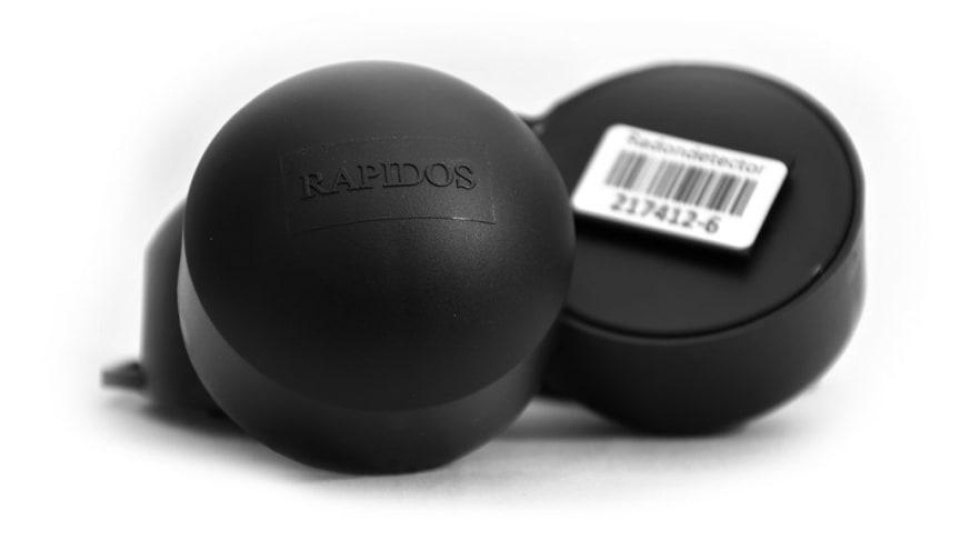Radondosan Rapidos mätvolym är två till tre gånger större än hos andra märken. Det bidrar till att en korttidsmätning kan göras med förhållandevis hög säkerhet.
