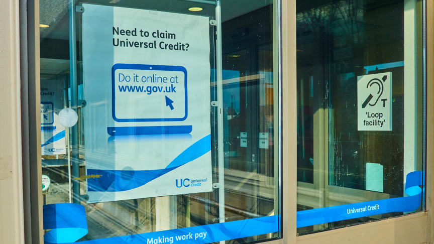 Government call for greater financial support for those waiting for Universal Credit