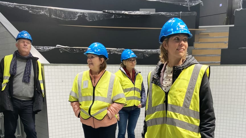 F.v. Lars Opsahl, Grethe Bergly, Kari Nicolaisen og Kristin Augestad fra Multiconsult konsernledelse på Campus Ås