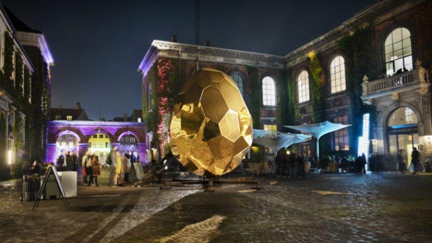 Solar Egg på Kunsthal Charlottenborg i Köpenhamn.