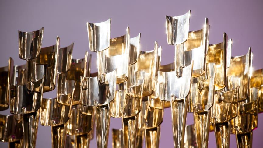 """Alle Preisträger erhalten neben ihren Preisgeldern die eigens für den Kulturpreis Bayern geschaffene Bronzestatue """"Gedankenblitz"""", die der Schwandorfer Bildhauer Peter Mayer gestaltet hat."""