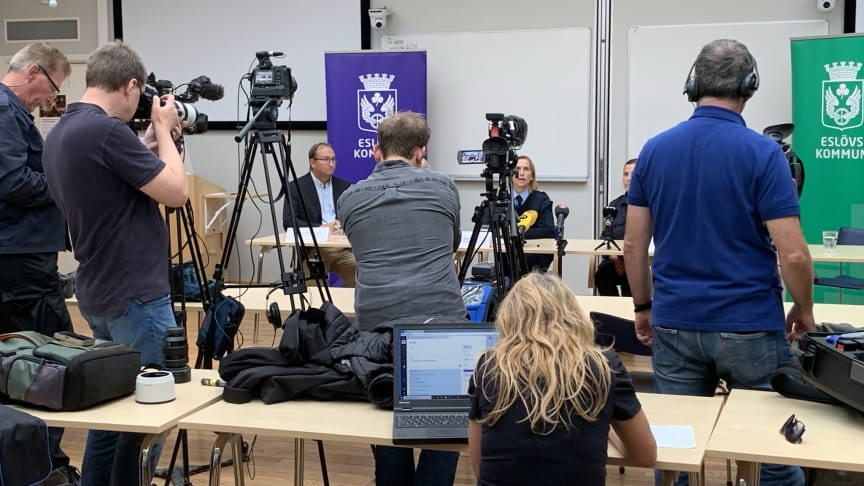 Polisen och Eslövs kommun höll presskonferens med anledning av den tragiska händelsen på Källebergsskolan.