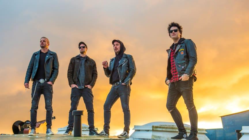 Krönender Abschluss des 5. Wochenendes ist die Punk-Rock-Band Drunken Swallows.