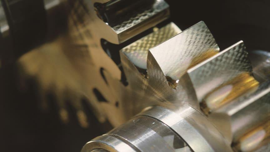 FUCHS lanserer neste generasjons industrielle giroljer – RENOLIN UNISYN XT serien