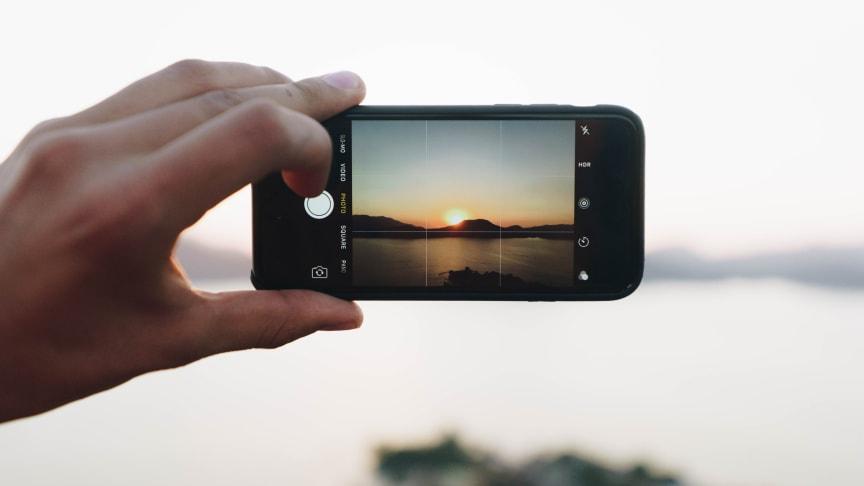 En ny undersøgelse fra analysehuset YouGov viser, at mere end hver tredje dansker gerne ville udskifte deres smartphone hvert andet år eller endnu oftere, hvis de havde muligheden.