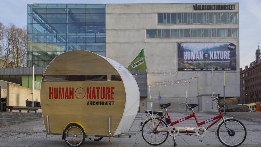Human Nature pop-up - en cyklande utställning på turné genom Västsverige